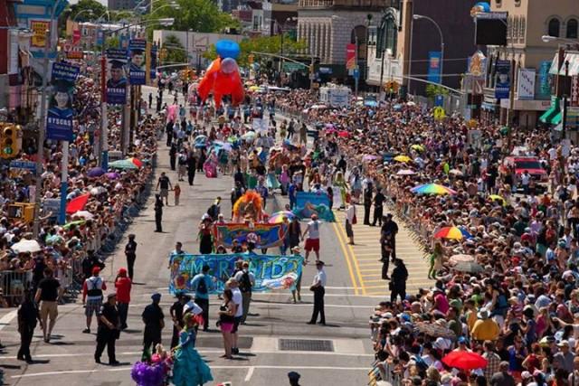 mermaid-parade-e1371727410861